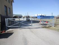 Valmis suletud 7m laiune aiavärav