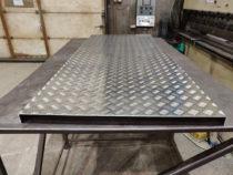 Alumiiniumplaadi painutamine